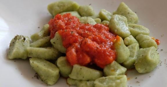 gnocchi di patate e spinaci.